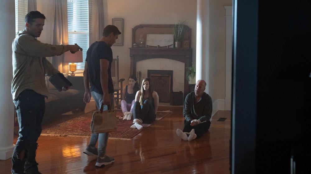 Survive the Night Film 2020 Blu-ray DVD shop kaufen Szenenbild