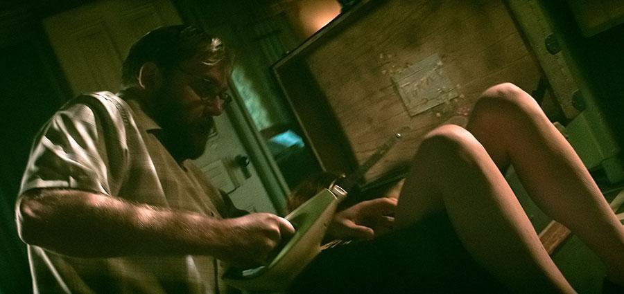 """The Mortuary – Jeder Tod hat eine Geschichte"""" 4K UHD Blu-ray im Mediabook Review shop kaufen Szenenbild"""
